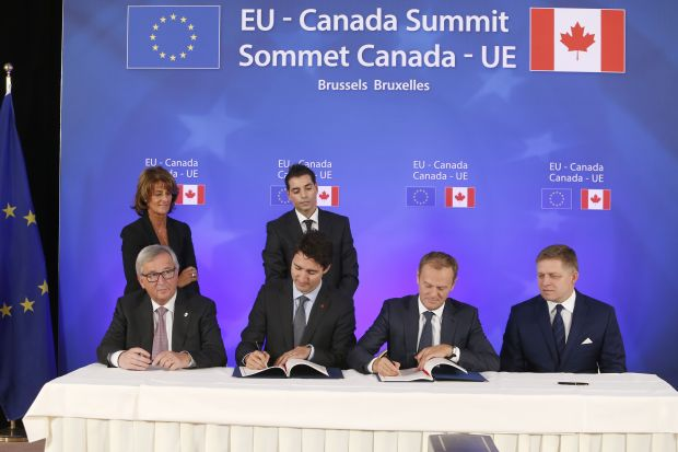 European Commission President Jean-Claude Juncker, Canadian Prime Minister Justin Trudeau, European Council President Donald Tusk and Slovak Prime Minister Robert Fico signed the EU-Canada Comprehensive Economic Trade Agreement (CETA) and the EU-Canada Strategic Partnership Agreement (SPA).
