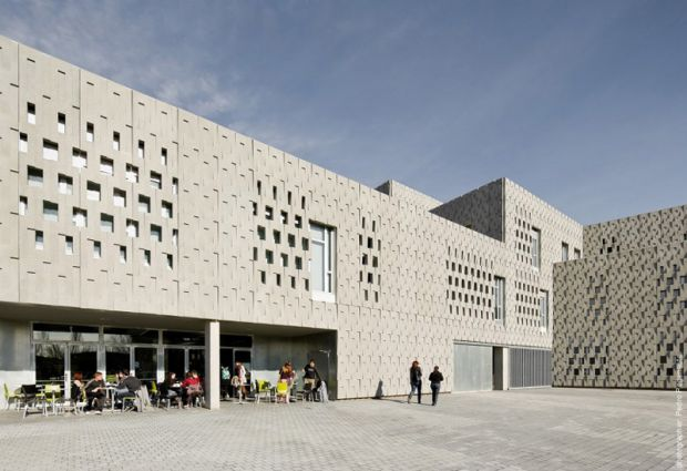 The Rovira i Virgili University (URV) is located in Tarragona, Spain.