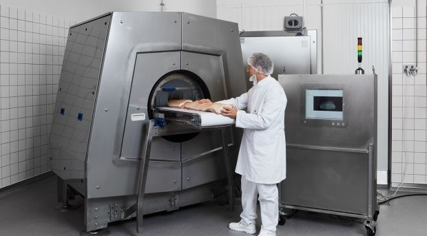 CT scanner primarily for the meat industry in order to sort cuts according to quality attributes.