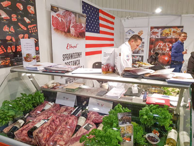 "Chef Andrzej Bryk, a USMEF ""US beef ambassador,"" conducts a US beef master class in Warsaw."