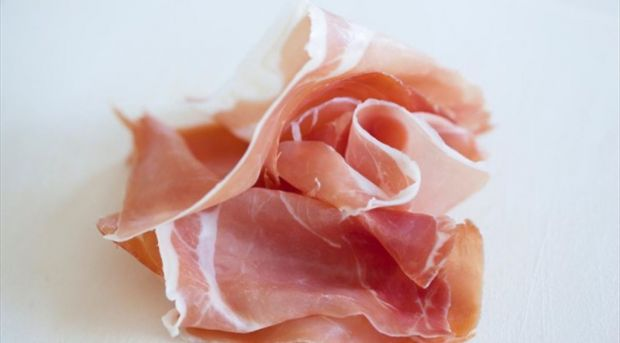 The model considers the values for salt and nitrite concentrations in cured meats too.