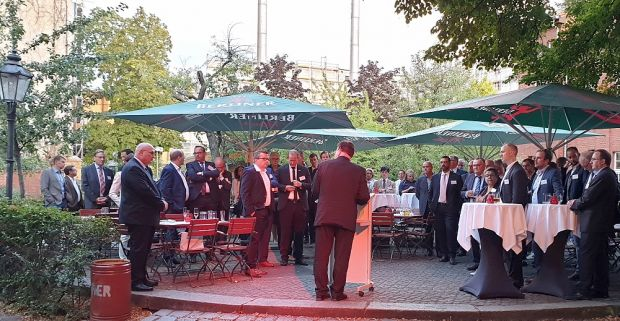 The tenth anniversary of German Meat was a good time to thank the numerous comrades-in-arms from companies, associations, embassies, chambers of foreign trade and politics. State Secretary Hans-Joachim Fuchtel promised further BMEL involvement in the removal of market access barriers.