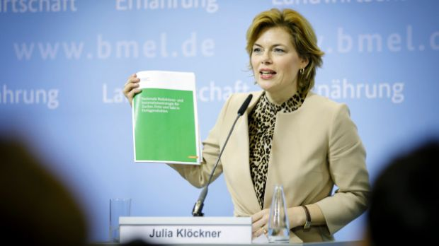 """We want to reduce the frequency of overweight and obesity and associated diseases in Germany. Our National Reduction and Innovation Strategy is a key element in achieving this goal"", comments Federal Nutrition Minister Julia Klöckner."