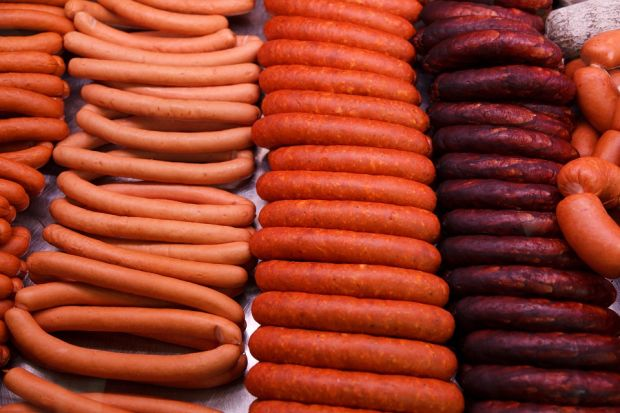 The research project aims to neutralise the odour components during the production of cooked sausage.