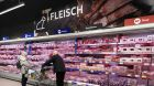 Supermarkt Fleischregal