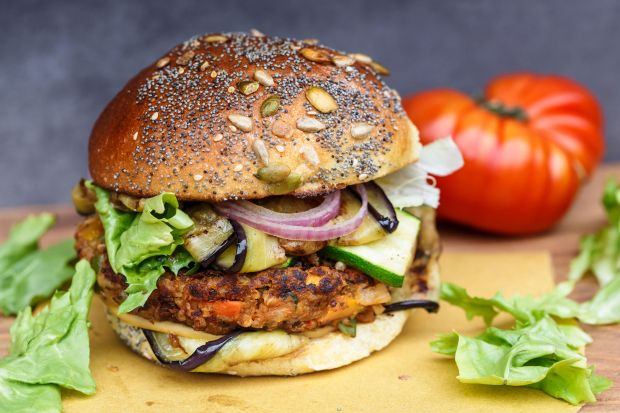 One of the focal points is taste solutions for spicy meat-free product categories - whether in vegan burger patties made from quinoa and pea proteins, hot dogs or falafel.