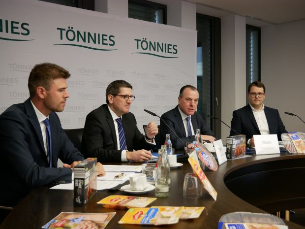 From the left: Maximilian Tönnies, Andres Ruf, Clemens Tönnies, Dr. André Vielstädte