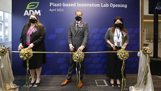 Lori Murphy, Vice President, Creation, Design & Development Asia Pacific; Dirk Oyen, Vice President and General Manager South East Asia and Nicole Yo, Director, Creation, Design & Development South East Asia, Head of Flavor Creation Asia Pacific and Principal Flavorist; officiated the opening of ADM's Plant-based Innovation Lab in Singapore.